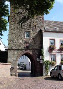 Arch #1 in Dudeldorf